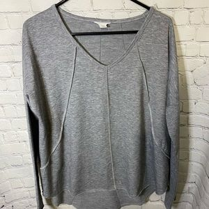 Caslon Gray Oversized Top With Exposed Seams S